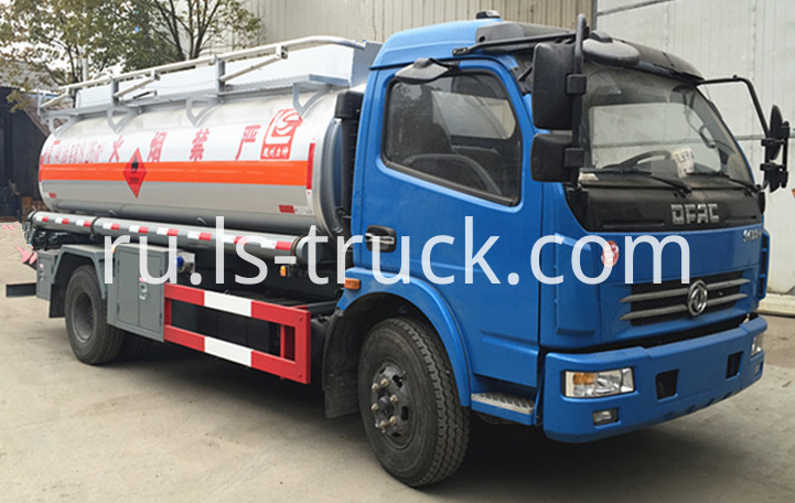 light fuel tank truck